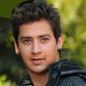 Paras Arora Biography, Age, Height, Weight, Girlfriend, Family, Wiki & More