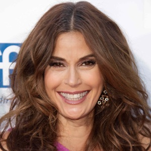 Teri Hatcher Biography, Age, Ex-husband, Children, Family, Wiki & More