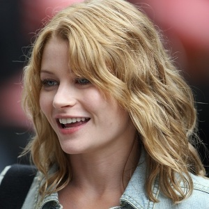 Emilie de Ravin Biography, Age, Height, Weight, Family, Wiki & More