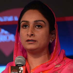 Harsimrat Kaur Badal  Biography, Age, Height, Weight, Family, Caste, Wiki & More
