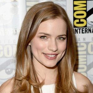 Willa Fitzgerald Biography, Age, Height, Weight, Family, Wiki & More