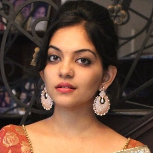 Ahaana Krishna Biography, Age, Height, Weight, Boyfriend, Family, Wiki & More