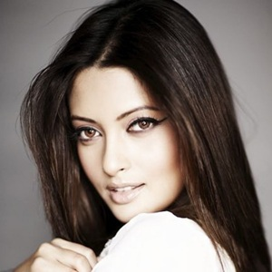 Riya Sen Biography, Age, Husband, Children, Family, Caste, Wiki & More