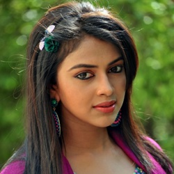 Amala Paul Biography, Age, Ex-husband, Children, Family, Caste, Wiki & More
