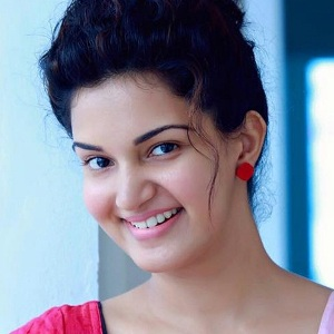 Honey Rose Biography, Age, Height, Weight, Family, Caste, Wiki & More