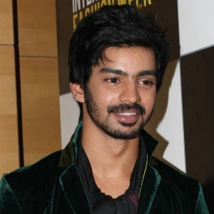 Mahat Raghavendra Biography, Age, Height, Weight, Family, Caste, Wiki & More