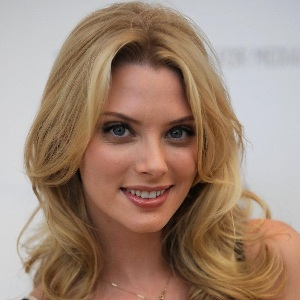 April Bowlby Biography, Age, Height, Weight, Family, Wiki & More