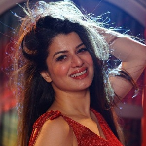 Kainaat Arora Biography, Age, Height, Weight, Boyfriend, Family, Wiki & More