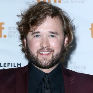 Haley Joel Osment Biography, Age, Height, Weight, Family, Wiki & More