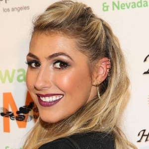 Emma Slater Biography, Age, Height, Weight, Family, Wiki & More