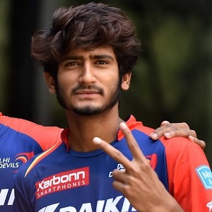 Khaleel Ahmed (Cricketer) Height, Weight, Age, Family, Wiki & More