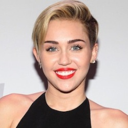 Miley Cyrus Biography, Age, Height, Weight, Boyfriend, Family, Wiki & More