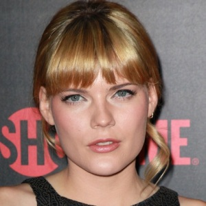 Emma Greenwell Biography, Age, Height, Weight, Family, Wiki & More