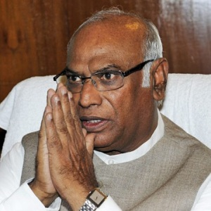 Mallikarjun Kharge Biography, Age, Height, Weight, Family, Caste, Wiki & More