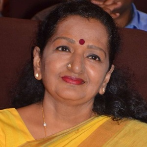 Shoba Chandrasekhar (Vijay's Mother) Age, Career, Family, Wiki & More