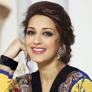 Sonali Bendre Biography, Age, Husband, Children, Family, Caste, Wiki & More