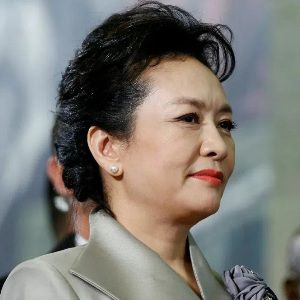 Peng Liyuan Biography, Age, Height, Weight, Family, Wiki & More