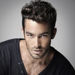 Aaron Diaz Biography, Age, Height, Weight, Family, Wiki & More