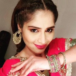 Aarti Singh (Arti Singh) Biography, Age, Height, Weight, Family, Caste, Wiki & More