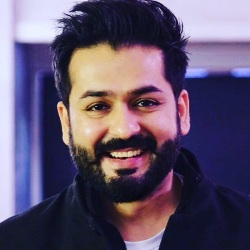 Aditya Dhar Biography, Age, Height, Wife, Family, Facts, Caste, Wiki & More
