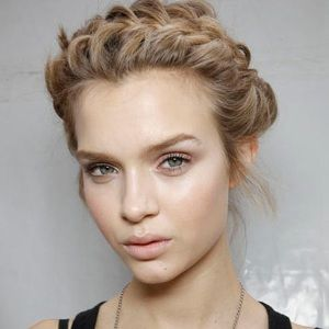 Josephine Skriver Biography, Age, Height, Weight, Family, Wiki & More