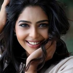 Aishwarya Lekshmi Biography, Age, Height, Weight, Family, Caste, Wiki & More