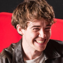 Alex Lawther Biography, Age, Height, Weight, Girlfriend, Family, Wiki & More