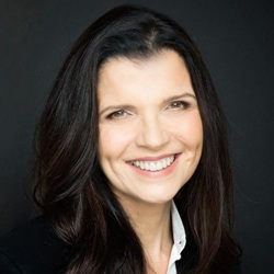 Ali Hewson Biography, Age, Height, Weight, Family, Wiki & More