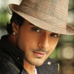 Angad Hasija Biography, Age, Wife, Children, Family, Caste, Wiki & More