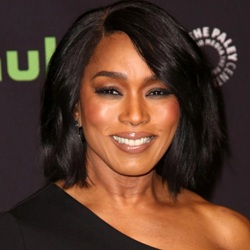 Angela Bassett Biography, Age, Height, Weight, Family, Wiki & More
