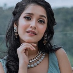 Anikha Surendran (Actress) Biography, Age, Height, Weight, Boyfriend, Family, Caste, Wiki & More
