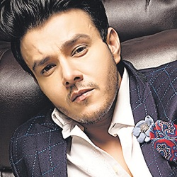 Aniruddh Dave Biography, Age, Height, Weight, Family, Wife, Facts, Caste, Wiki & More