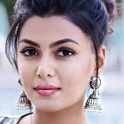 Anisha Ambrose Biography, Age, Height, Weight, Boyfriend, Family, Wiki & More