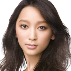 Anne Watanabe Biography, Age, Height, Weight, Family, Wiki & More