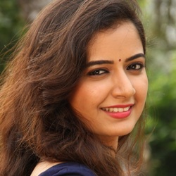 Ashika Ranganath (Actress) Biography, Age, Height, Weight, Boyfriend, Family, Caste, Wiki & More