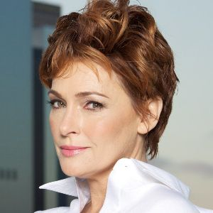 Carolyn Hennesy Biography, Age, Height, Weight, Family, Wiki & More