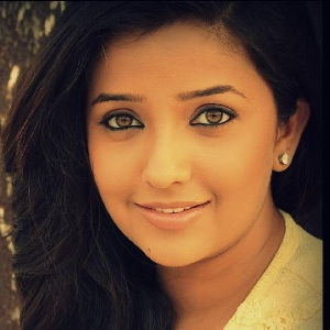 Apurva Nemlekar (Marathi Actress) Age, Husband, Family, Wiki, Bio & More