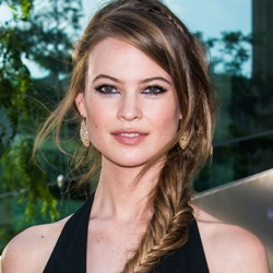 Behati Prinsloo Biography, Age, Height, Weight, Family, Wiki & More