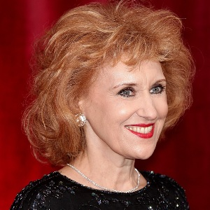 Anita Dobson Biography, Age, Height, Weight, Family, Wiki & More