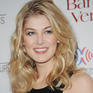 Rosamund Pike Biography, Age, Height, Weight, Family, Wiki ...