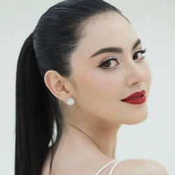 Davika Hoorne Biography, Age, Height, Weight, Family, Wiki & More