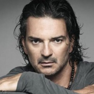 Ricardo Arjona Biography, Age, Height, Weight, Family, Wiki & More