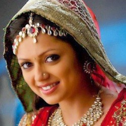 Drashti Dhami Biography, Age, Husband, Children, Family, Caste, Wiki & More