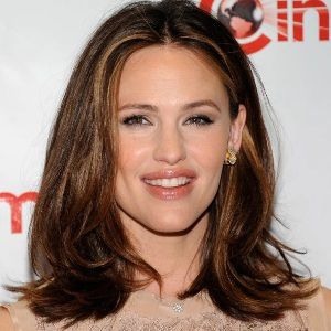 Jennifer Garner Biography, Age, Height, Weight, Family, Wiki & More