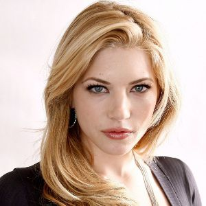 Katheryn Winnick Biography, Age, Height, Weight, Family, Wiki & More