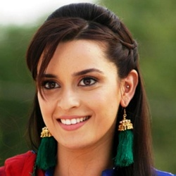 Ekta Kaul Biography, Age, Height, Weight, Family, Caste, Wiki & More