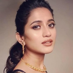 Elina Samantray (Actress) Biography, Age, Height, Weight, Boyfriend, Family, Caste, Wiki & More