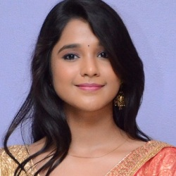 Elsa Ghosh Biography, Age, Height, Weight, Boyfriend, Family, Caste, Wiki & More