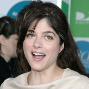 Selma Blair Biography, Age, Height, Weight, Boyfriend, Family, Wiki & More