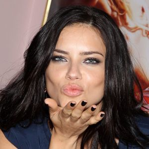 Adriana Lima Biography, Age, Height, Weight, Family, Wiki & More